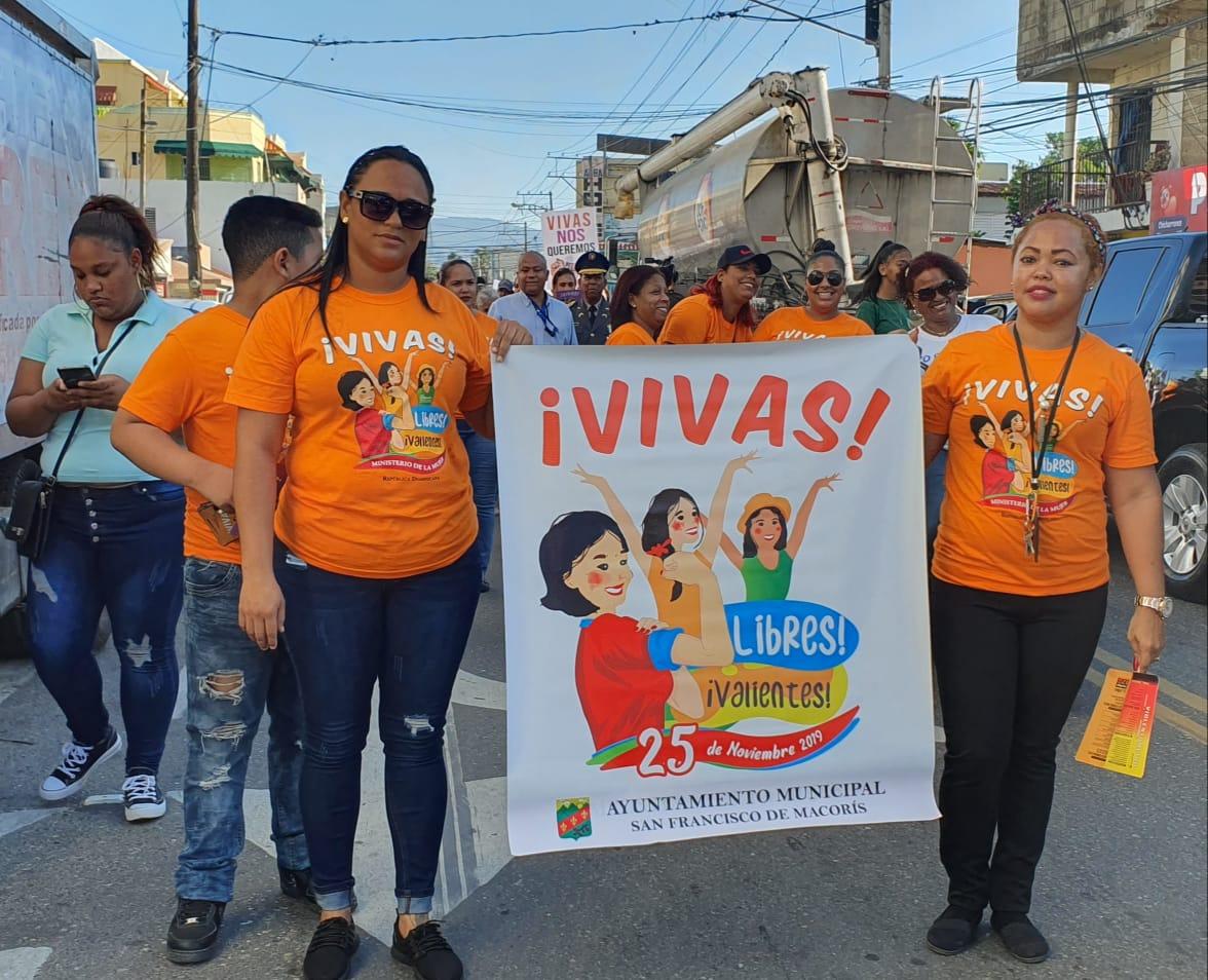 """Realizan multitudinaria caminata en Día de la """"No Violencia Contra la Muer"""" en SFM."""