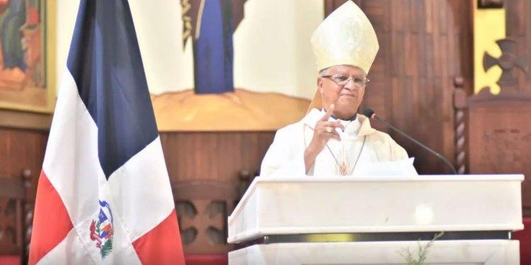 En el 176 aniversario de la Independencia Nacional obispo saluda decisión de jóvenes de salir a defender la democracia en República Dominicana