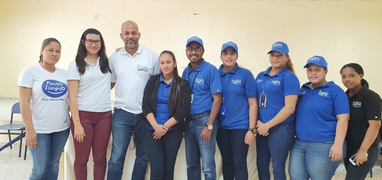 Realizan jornada educativa manejo residuo sólido dirigido a estudiantes DE San Francisco de Macorís