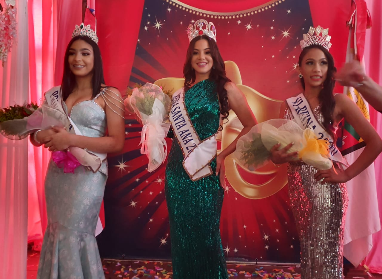 Escogen a la señorita Elizabeth Adriana Salazar como nueva reina Santa Ana 2020