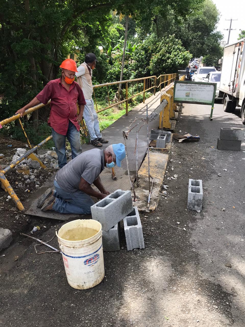 Ayuntamiento dispone reparación puente rio Jaya en avenida Caonabo