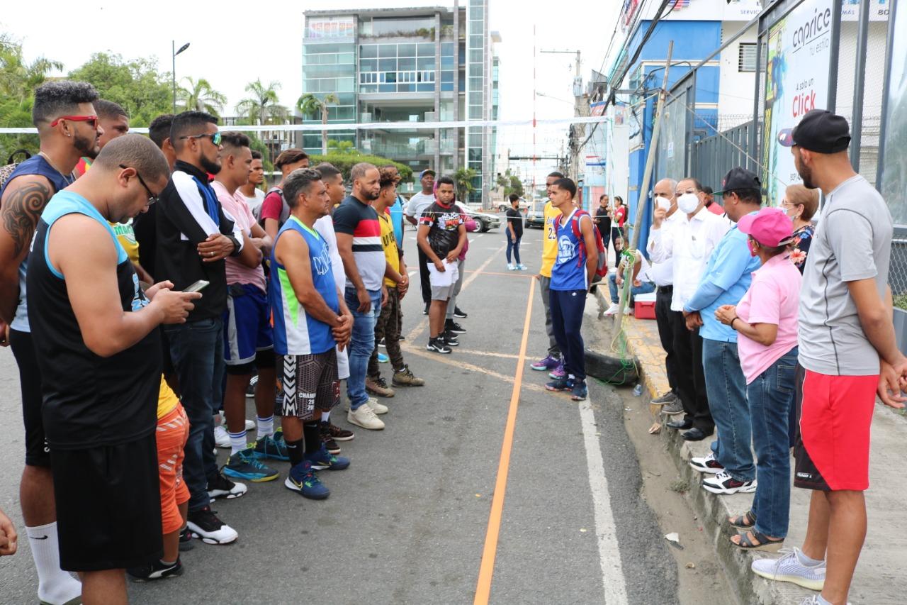 Federación de Voleibol Duarte celebra torneo 3 × 3. Patrocinado por el Ayuntamiento SFM.
