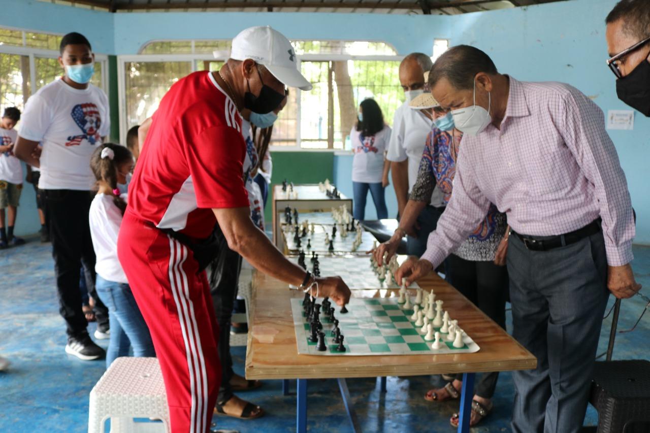 Escuela Wilfredo Paulino realiza torneo Ajedrez patrocinado por la Alcaldía de SFM.
