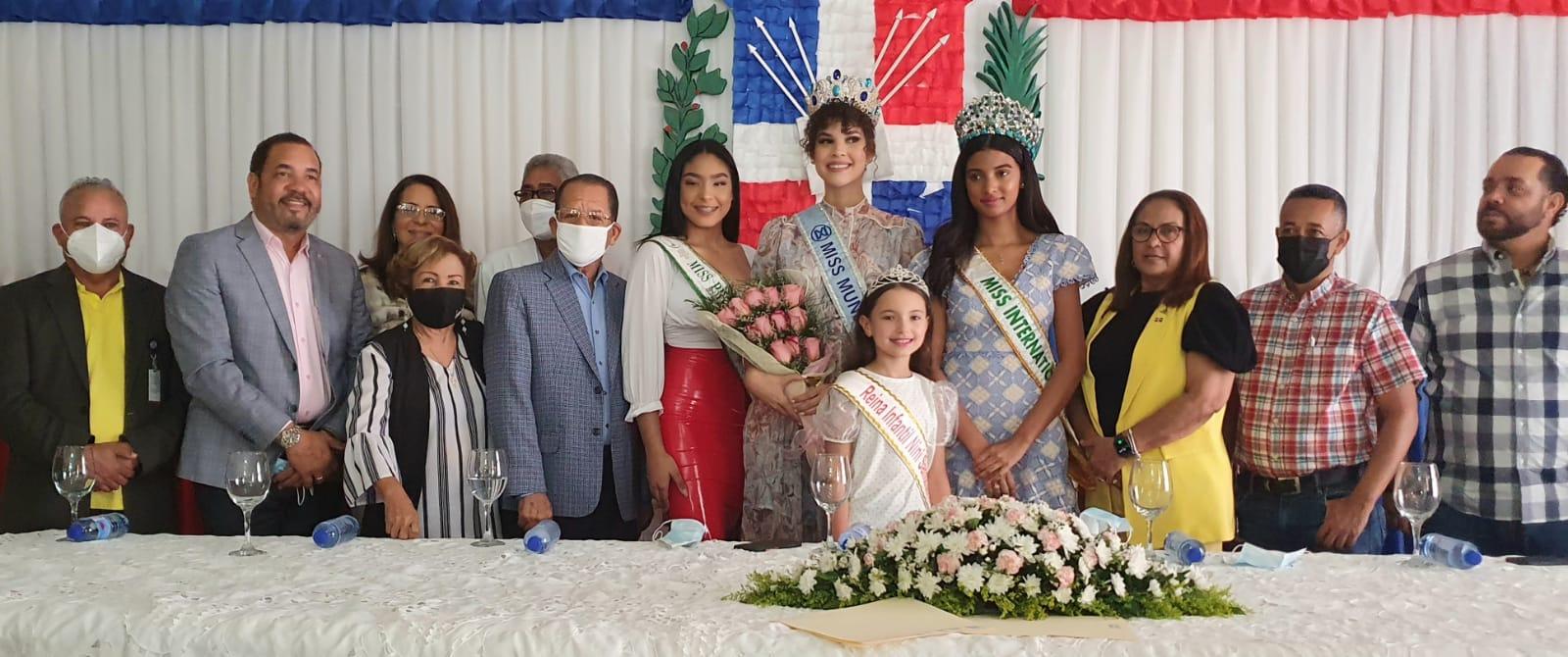 Autoridades dan cálida bienvenida a Emmy Peña, nueva Miss Mundo Dominicana